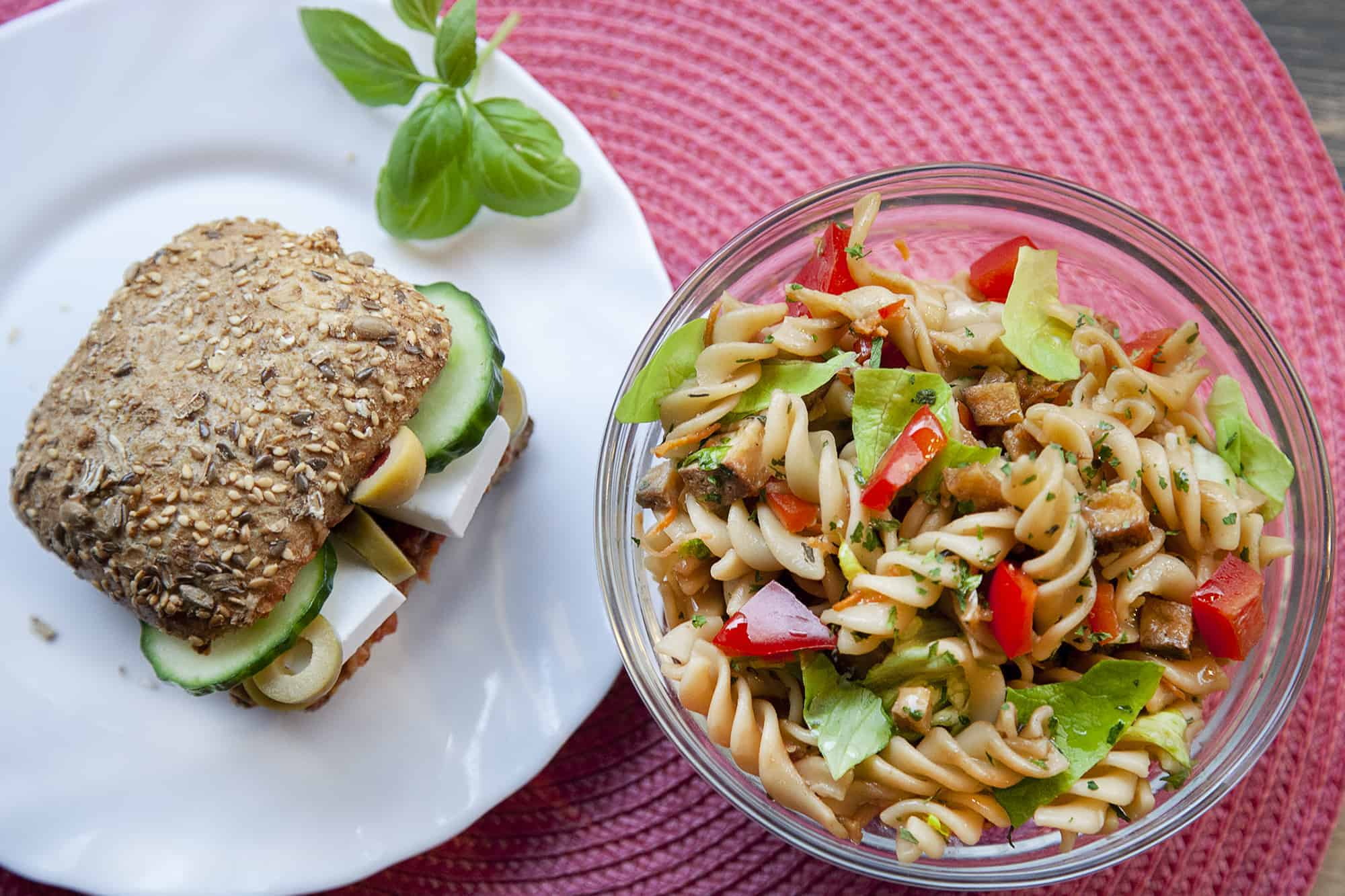 vegan-szendvics-salata-napfenyes-cukraszat